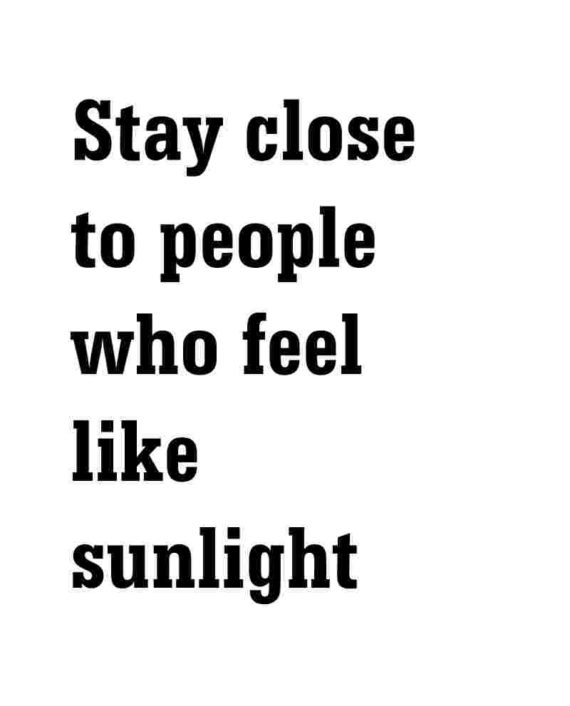 Eco ansichtkaart stay close to people who feel like sunlight duurzame ansichtkaart