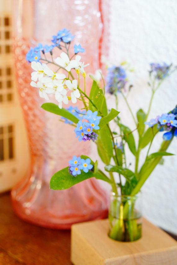 houten houder voor pluk- of veldbloemen