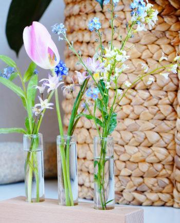 Houten houder voor pluk-veldbloemen