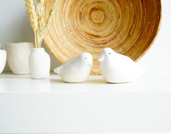 vogelbeeldje van keramiek