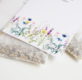 THROW LIKE CONFETTI 💛 Bloemzaadjes voor wilde bloemen in een zakje met duurzame kaart 🐝 Help jij de bijen mee? Wilde bloemen zorgen voor bijen en insecten in de natuur! Strooi de zaadjes onder een boom, in de tuin of langs de kant van de weg. Throw like confetti! Benieuwd? Bekijk de kaartjes met bloemzaad voor wilde bloemen via de webshop! Voor retailers via @orderchamp 💛 . . . . . . . #mookstories#wildebloemen#plantaddict#duurzaam#botanical#sustainableliving#wooninspiratie#plantpower#stayandwander#visuals#interieur#fasionaddict#ecoblogger#natuur#rsa_nature#kleurrijkwonen#ethical#plantbased#jungalowstyle#tuininspiratie#greenliving#binnenkijken#witwonen#bloemenmeisje#bloemist#reddebij#bijen#bloemzaad#mamablog#naturelovers